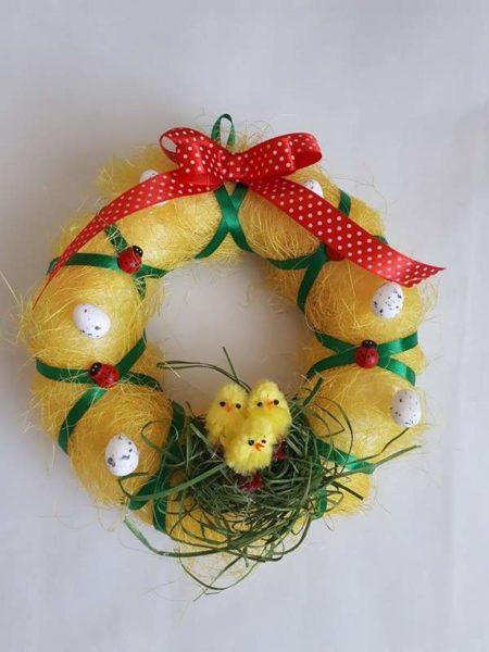 Velikonoční věnec s hnízdem