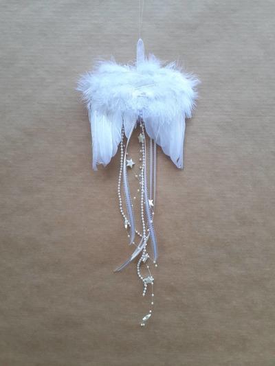 Andělská křídla – bílé hvězdičky