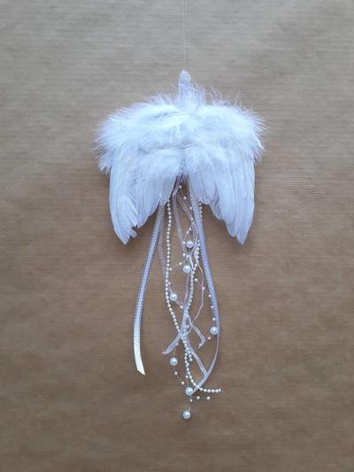 Andělská křídla – bílé perličky