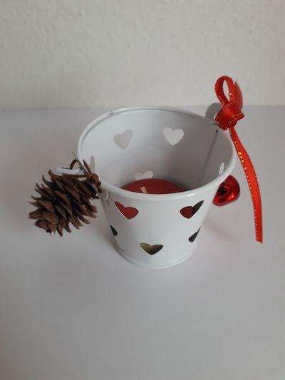 Vánoční svícínek v kbelíčku – červený